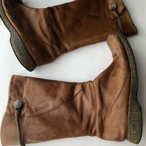 Teva Distressed Leather Boots Women's 8.5 Brown